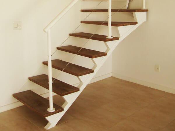 Escada sobre triângulos